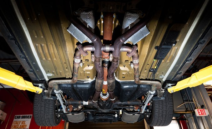 2011-ford-mustang-boss-302-exhaust-1-photo-453163-s-original